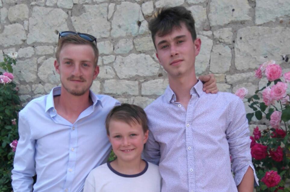 Clément, Martin et Simon Page du domaine du Puy Rigault, vignobles en AOC Chinon